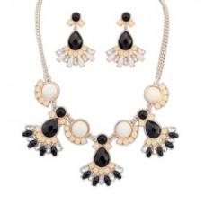 Ожерелья набор 011